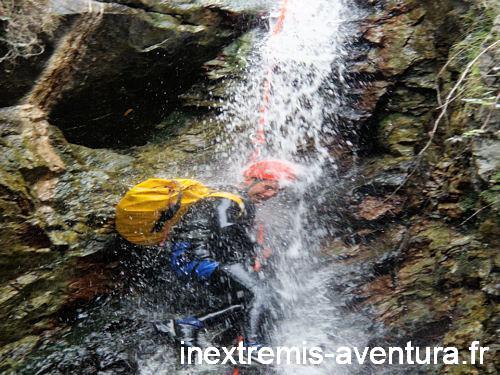 Canyoning eaux chaudes de Thuès entre Valls - Canyoning Hiver - Pyrénées Orientales