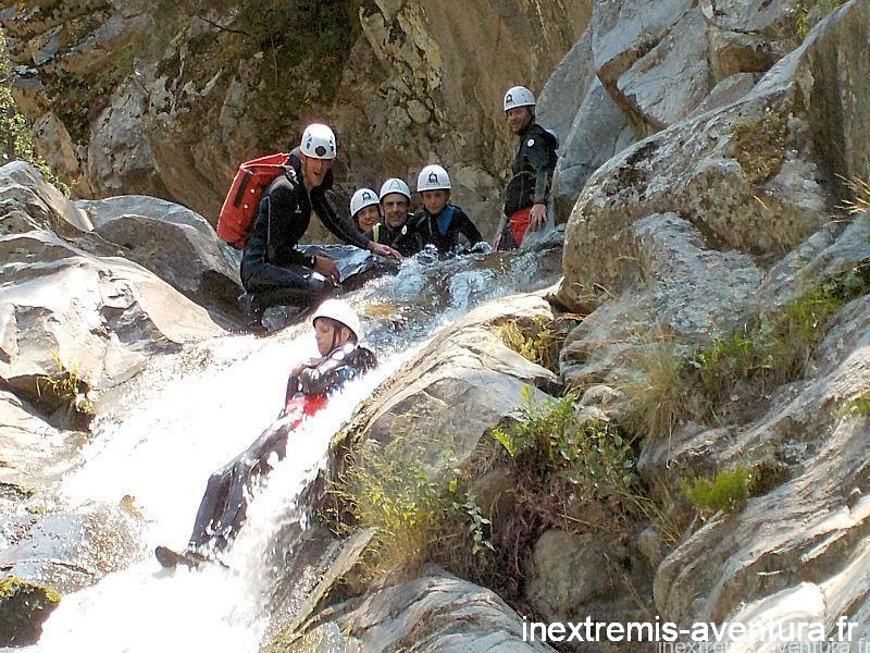 CANYONING FAMILLE PYRÉNÉES ORIENTALES